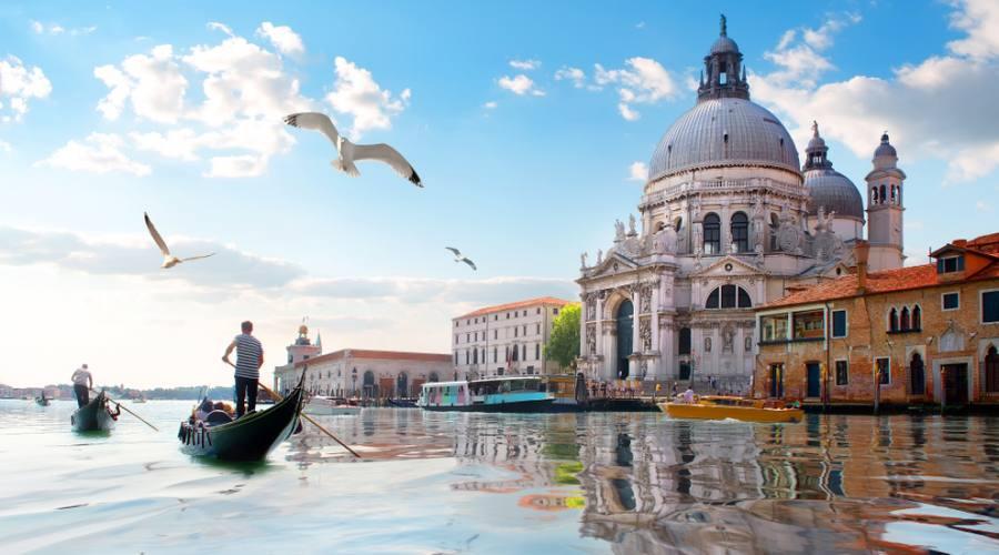 Venezia - antica cattedrale di Santa Maria della Salute