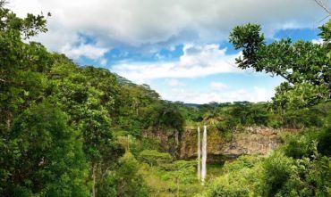 Scopri l'isola con tre imperdibili escursioni!
