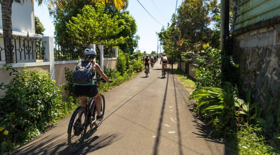 Sfrecciare in bici sulle strade di Mauritius