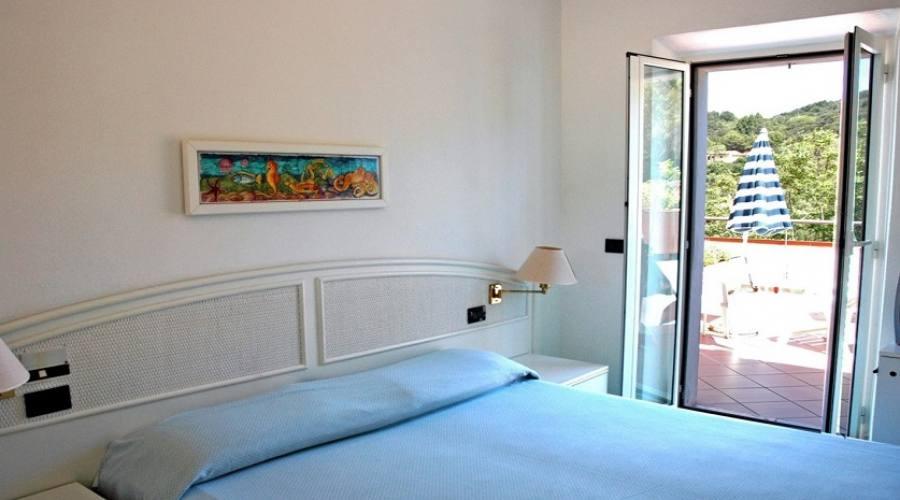 camera standard con terrazzo