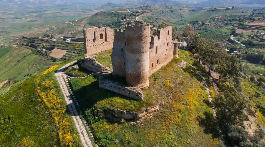 Vista aerea del Castello medievale di Mazzarino