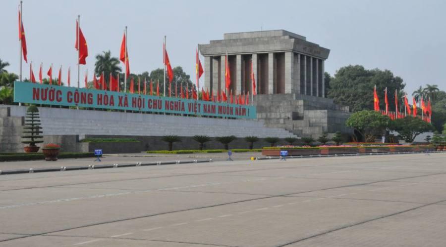 - Hanoi, mausoleo di Ho Chi Minh