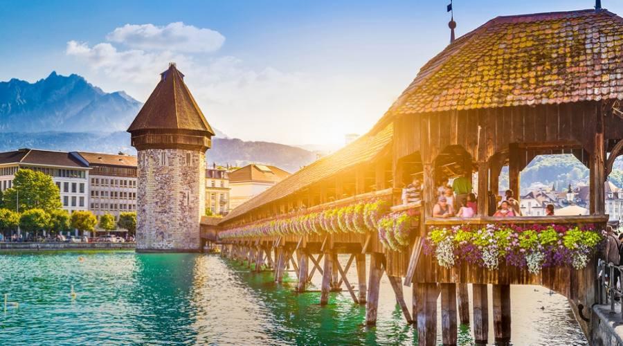 Centro storico di Lucerna con il famoso Ponte della Cappella