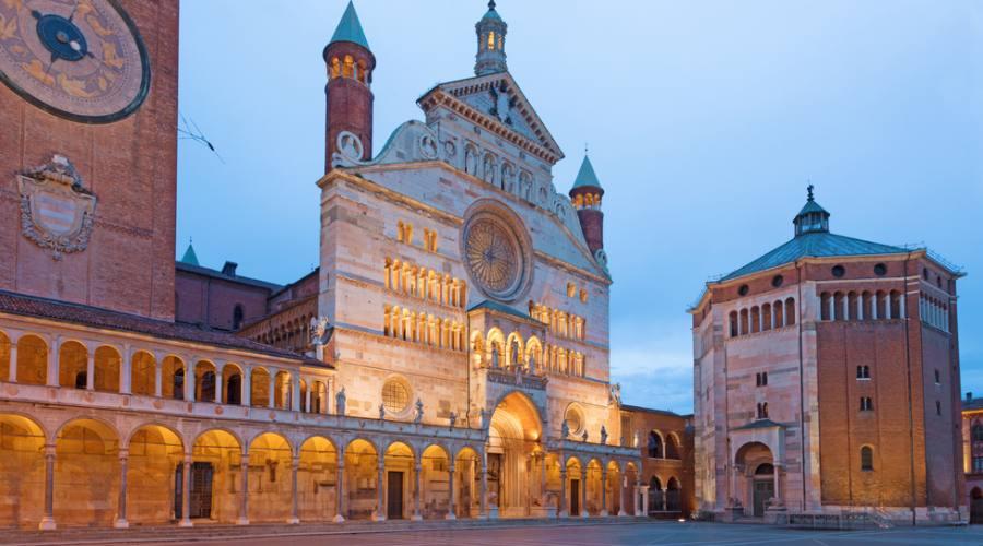 Cremona, la cattedrale e il Battistero