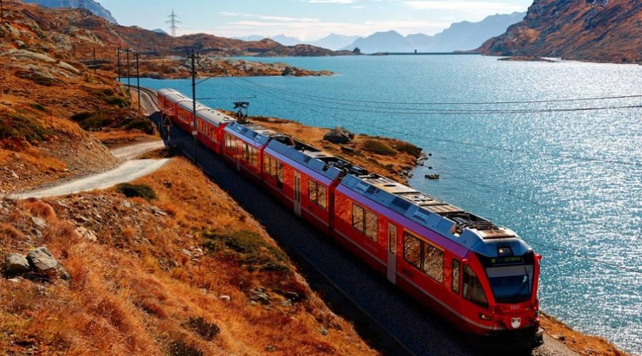Trenino Rosso del Bernina - autunno