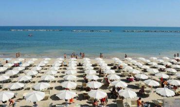 Hotel 3 stelle direttamente sulla spiaggia privata