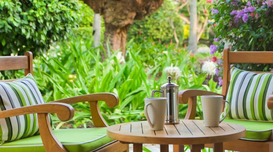 terrazza (villa con piscina e giardino)