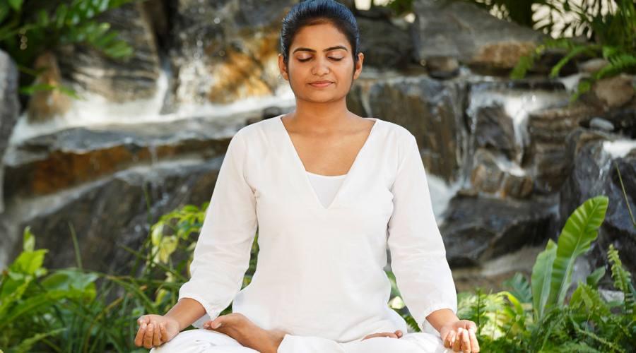 Lezione di Yoga al Kurumba Maldives
