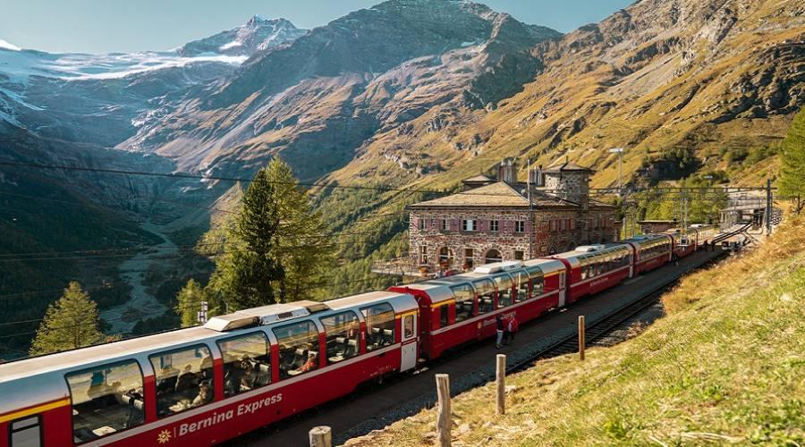 Bernina Express ad Alp Grum - @Switzerland Tourism