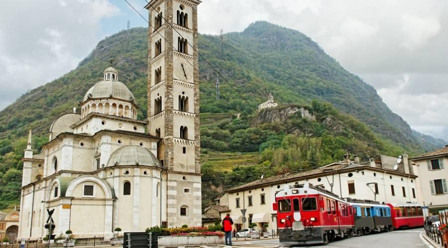 Trenino Rosso del Bernina a Tirano