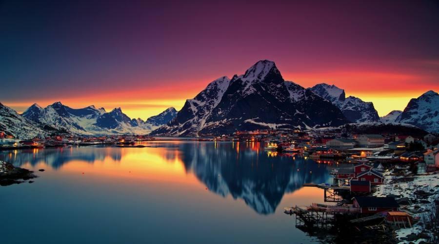 Luci invernali a Moskenes (Christian Bothner_www.nordnorge.com)
