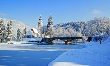 Magica atmosfera per il Capodanno nei pressi del Lago di Bohinj