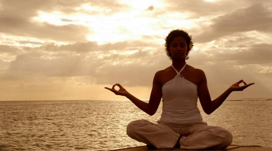 Yoga vista oceano