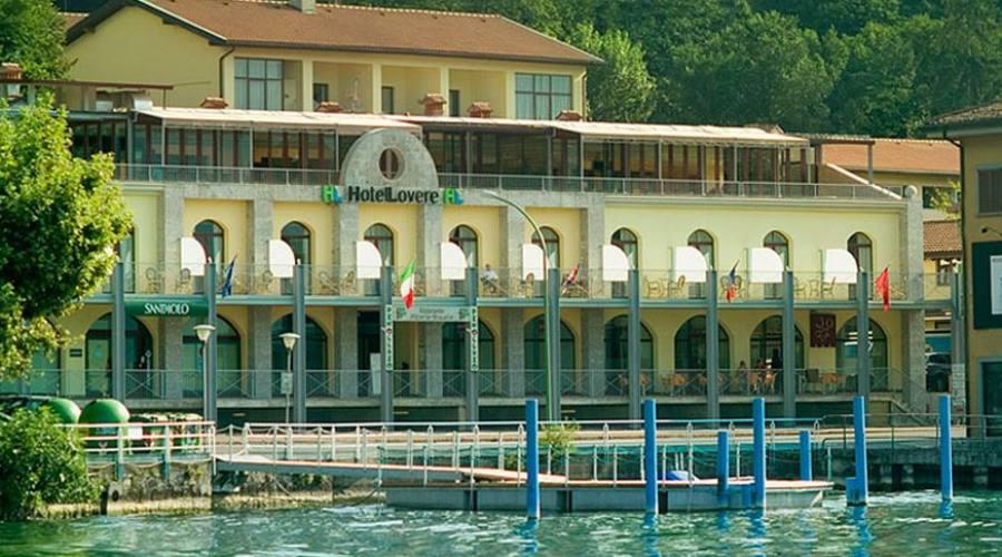 L'hotel - panoramica dal lago