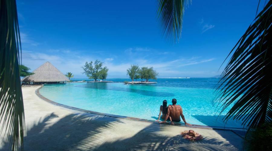 Manava suite hotel Tahiti pool