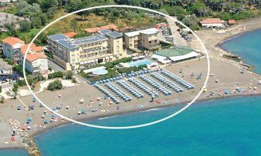 Hotel Club 3 stelle direttamente sul Lungomare...