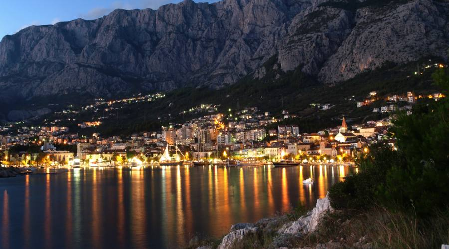 Riviera di Makarska - panoramica notturna