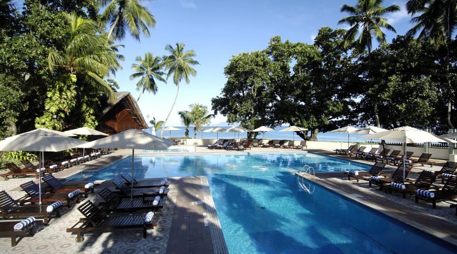 Mahe' - la piscina del Berjaya Beau Vallon 4 stelle