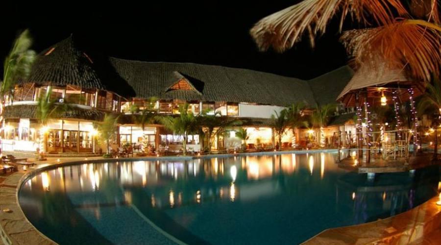 vista notturna piscina