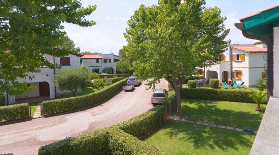 Viale all'interno del villaggio