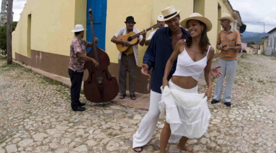 En Cuba non se camina, se baila!