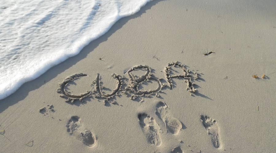 Cuba, scritta sulla sabbia
