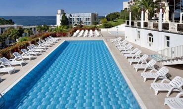 Hotel immerso nel verde della splendida Zelena Laguna