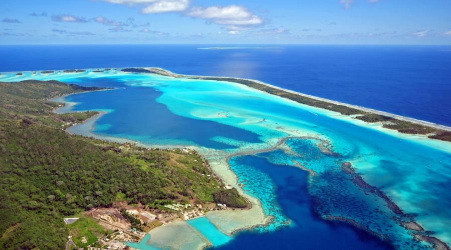 Vista aerea di Bora Bora