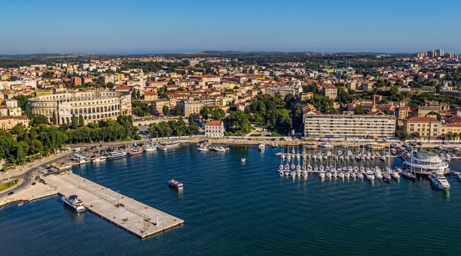 Soggiorno in appartamenti privati a pula parti ora per il for Soggiorno in croazia