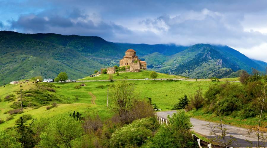 Monastero nella natura Armena