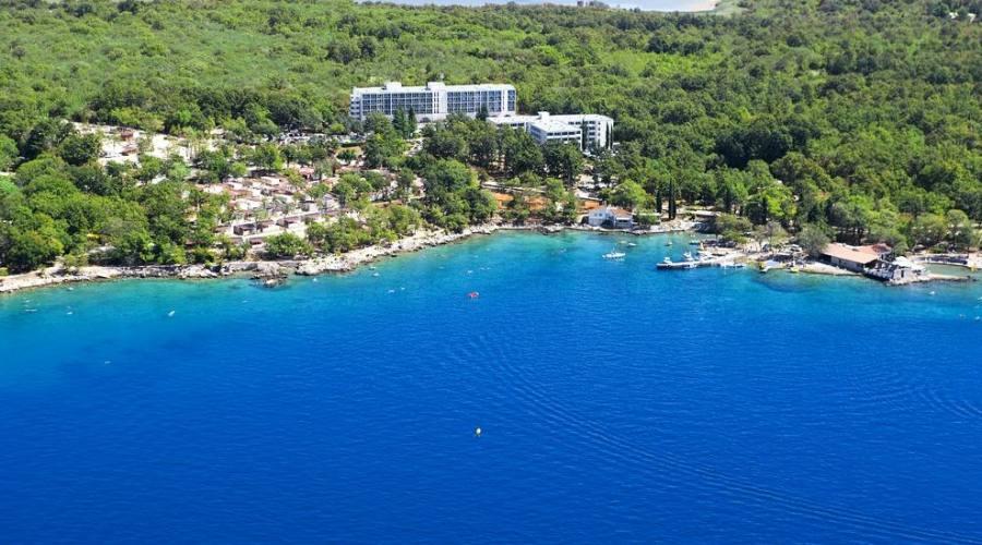 Soggiorno in hotel 3 stelle a njivice in croazia parti for Soggiorno in croazia