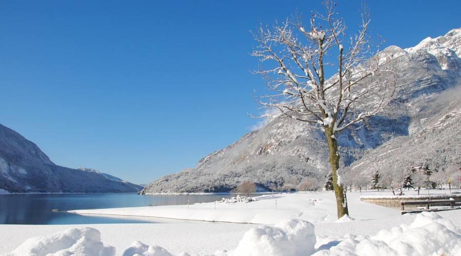 Il lago in inverno