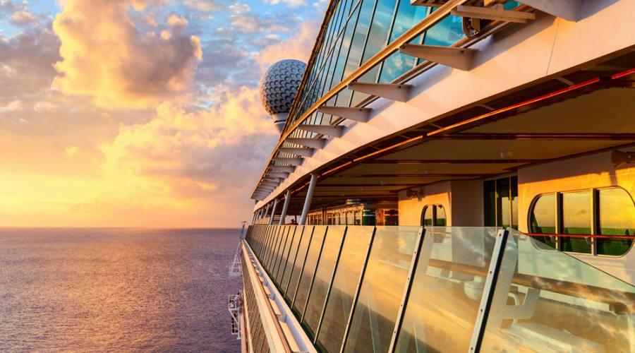 tramonto dalla nave