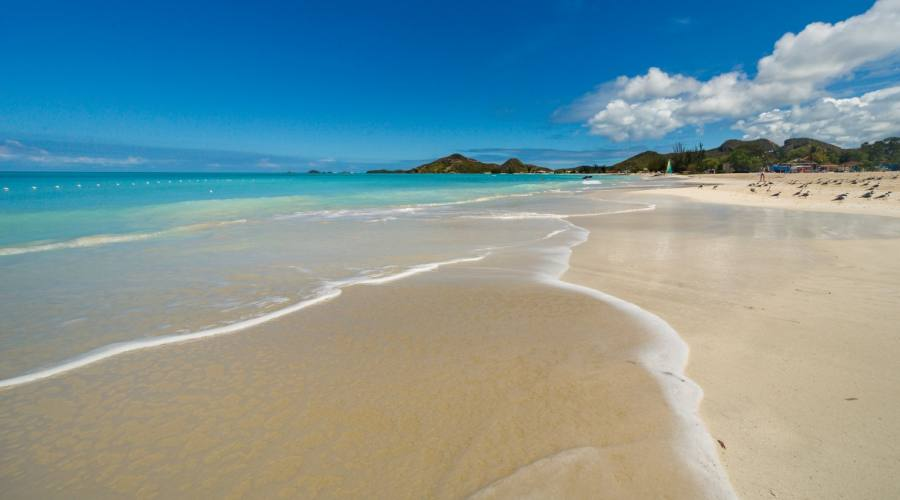 La bellissima Jolly Beach di Antigua