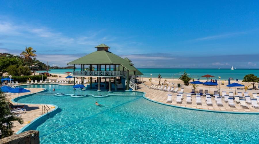 La piscina del Jolly Beach Resort