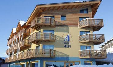 Hotel in stile montano a due passi dalle piste da sci!