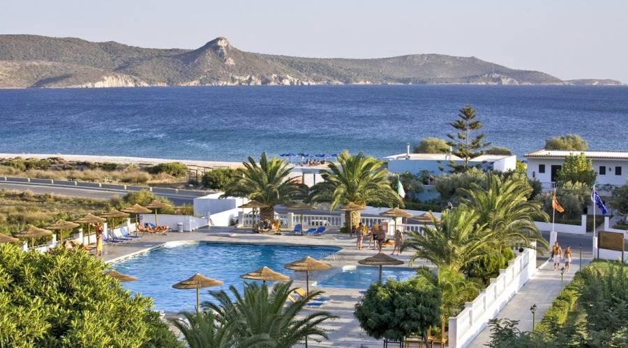 Vista Panoramica dell'hotel affacciato sulla Baia di Mikali
