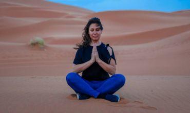 Corso Yoga Nel Deserto Con Maestro A Seguito Dall'Italia