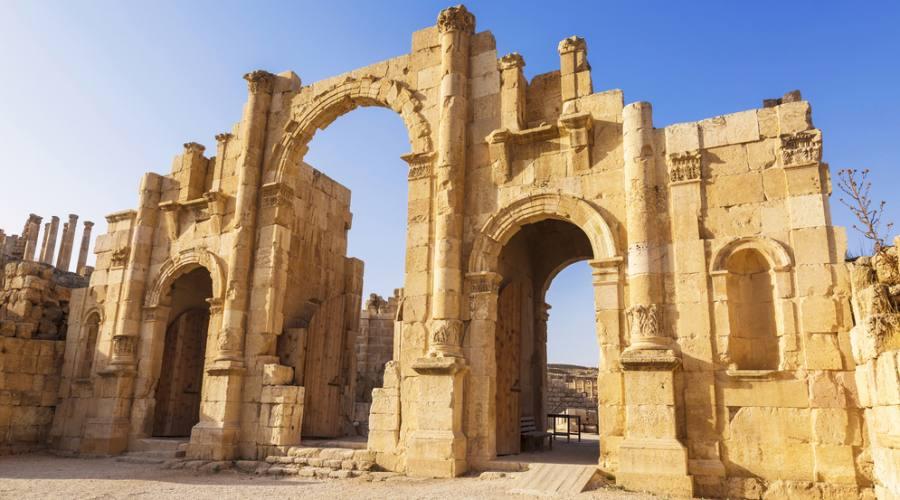 la porta sude dell'antica città romana di Jerash