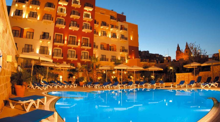 Maritim Hotel: Vista Esterna