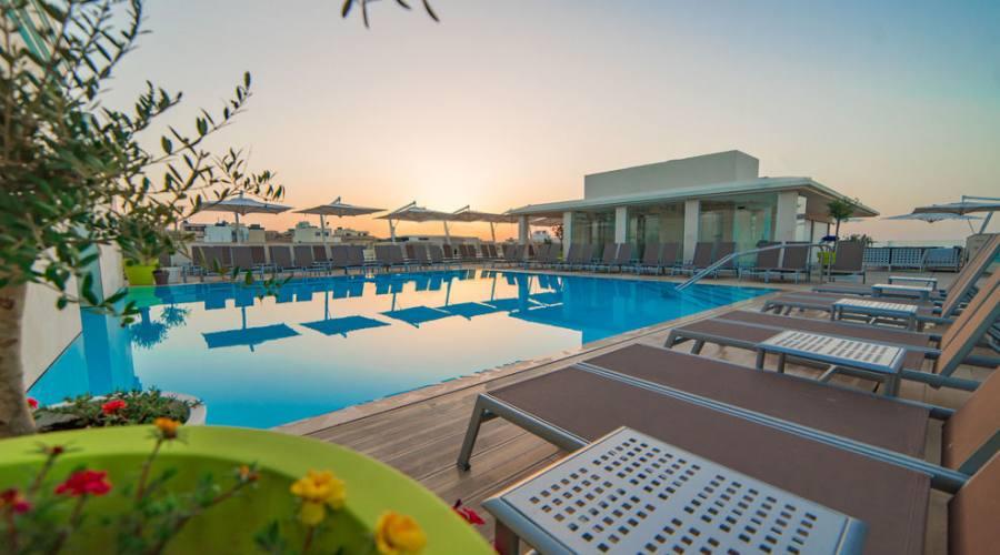 Maritim Hotel: Piscina Panoramica