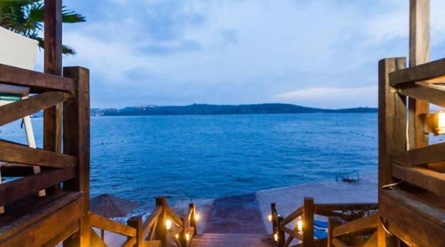 Dolmen Resort: Lido