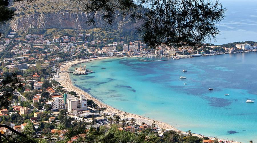 spiaggia e mare di Sicilia