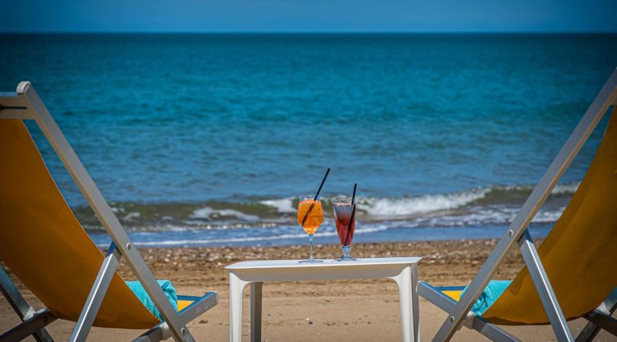 Un brindisi in spiaggia?