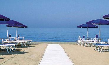 Hotel 3 stelle con spiaggia inclusa