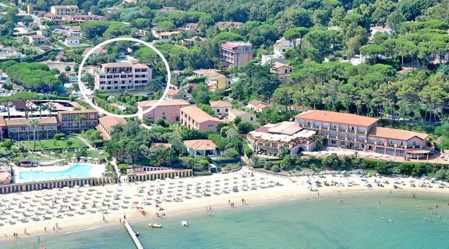 Vista dall'alto con la spiaggia