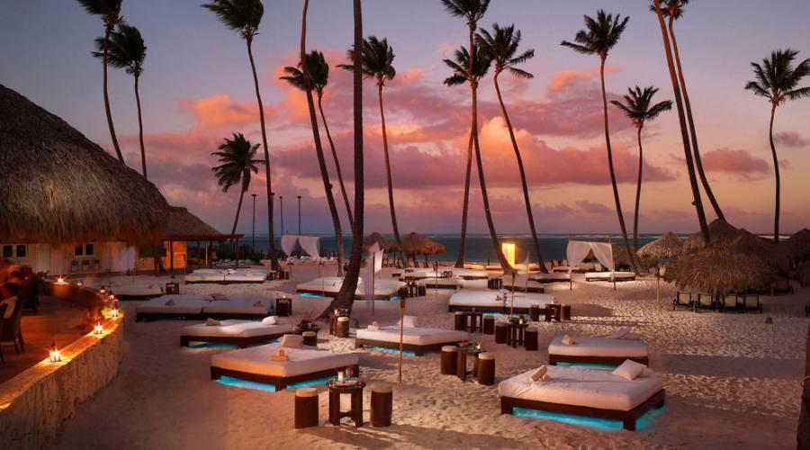 il  tramonto dalla spiaggia...