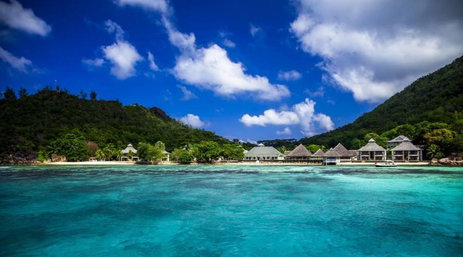 Vista dall'oceano del resort
