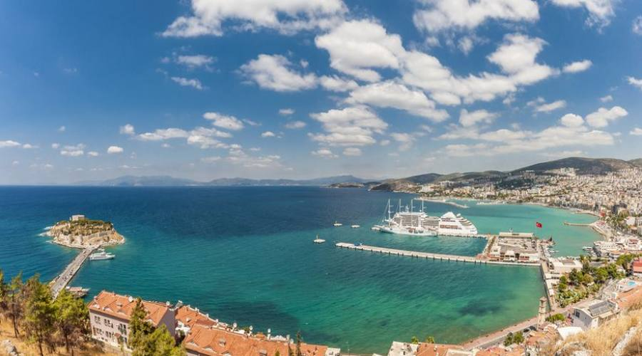 Vista panoramica della città di Kusadasi - Mare Egeo