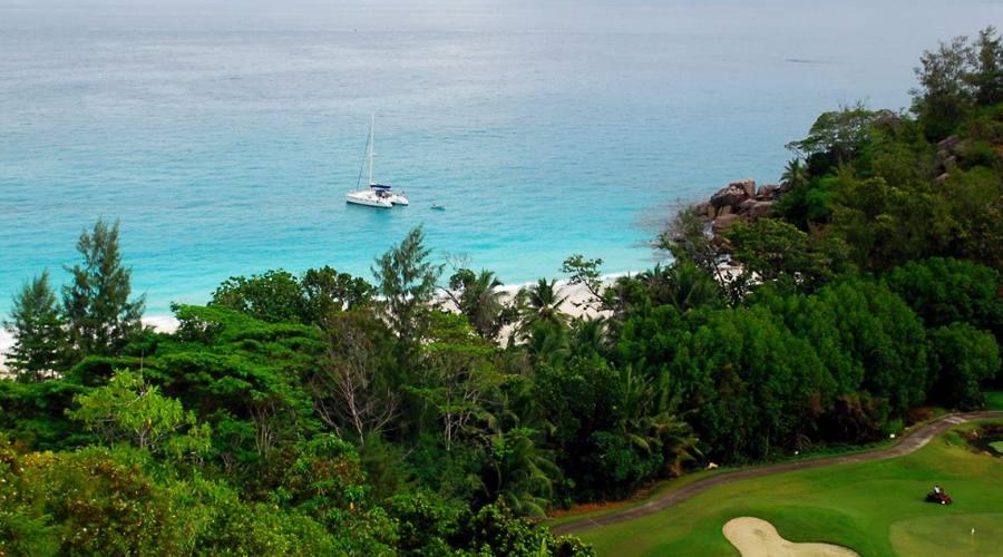 Particolare del campo da Golf con vista sulla spiaggia